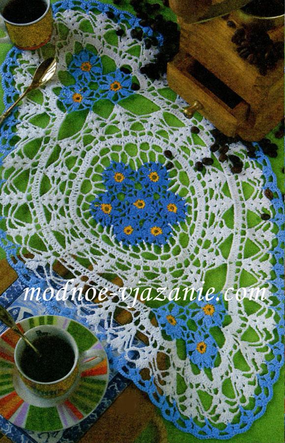 Овальная салфетка с цветами