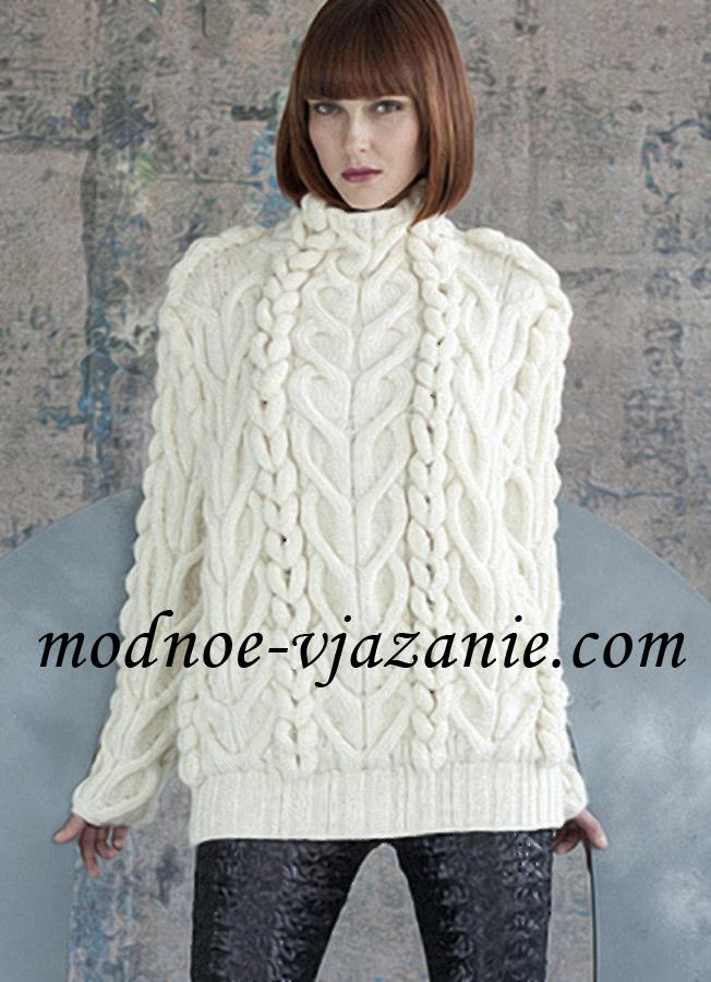 Пуловер узором из жгутов и