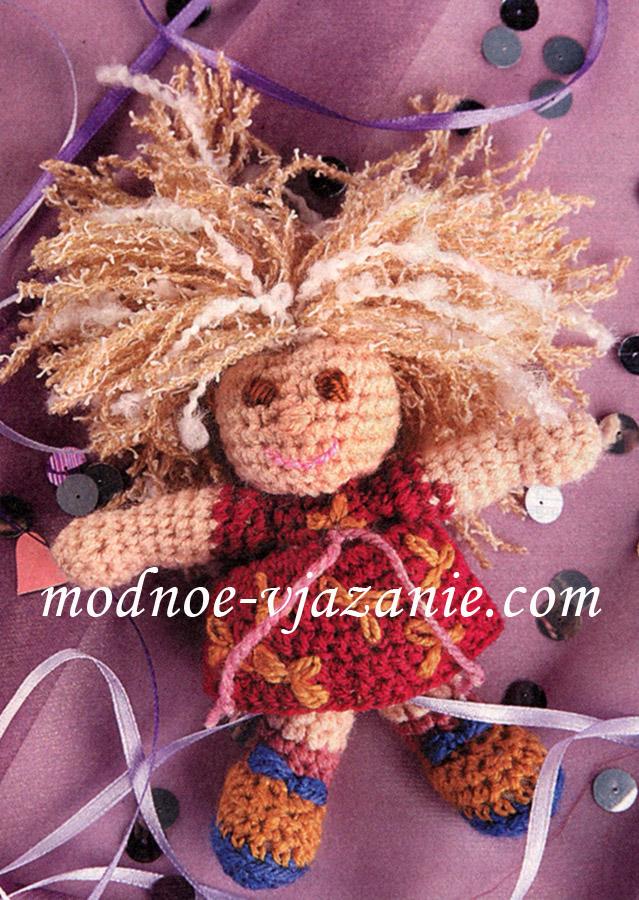 Вязаная кукла Маша на