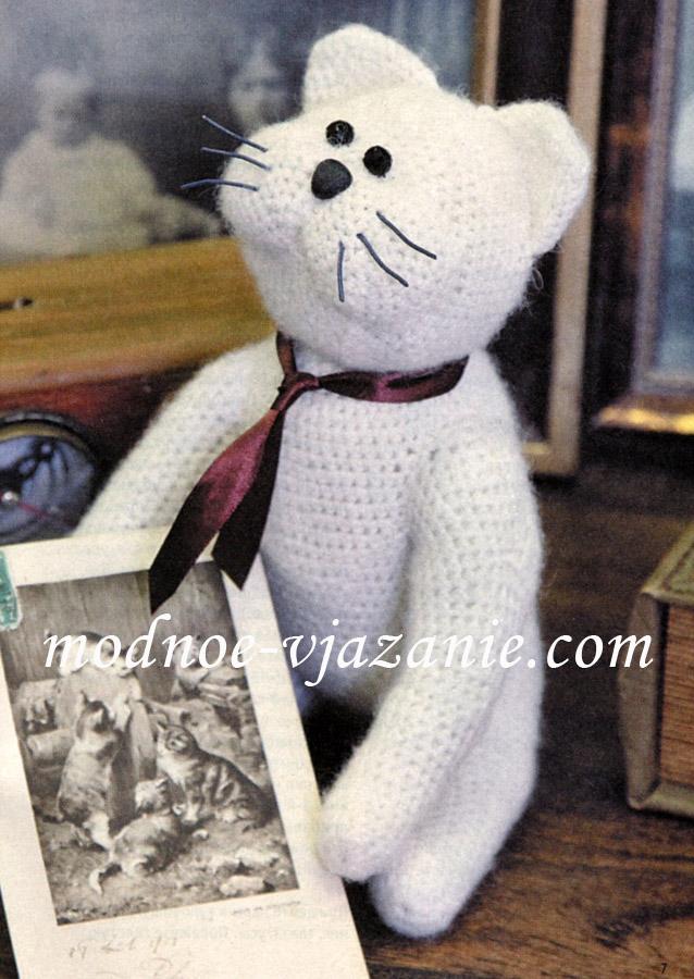 Кот - вязаная игрушка крючком